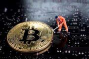 Криптоэнтузиаст соорудил биткоин-майнер при помощи 10 флешек с чипами Bitmain